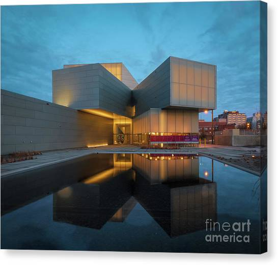 Virginia Commonwealth University Vcu Canvas Print - Contemporary by Ava Reaves