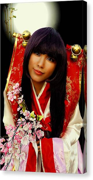 Cosplayer In Japanese Costume Canvas Print