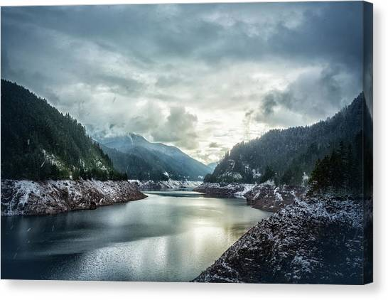 Cougar Reservoir On A Snowy Day Canvas Print