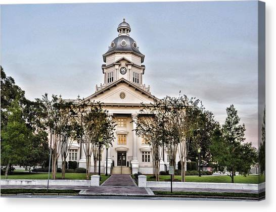 Courthouse In Moultrie Canvas Print