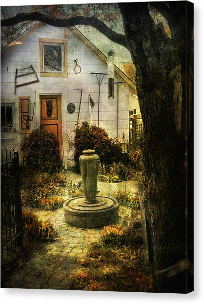 Courtyard And Fountain Canvas Print