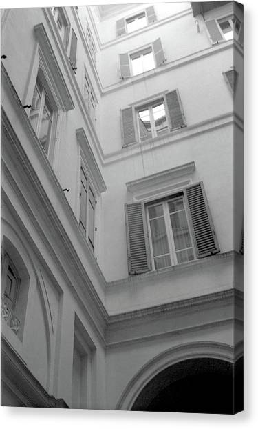 Courtyard In Rome Canvas Print