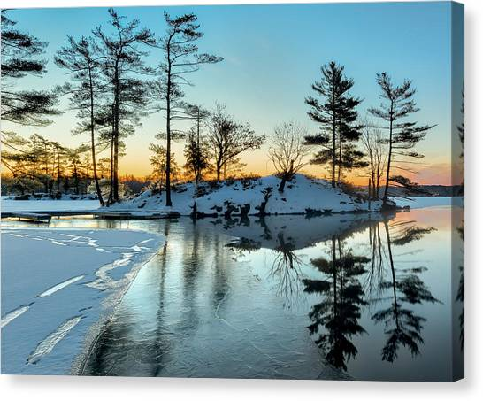 Crisp And Cold Start To The Day Canvas Print
