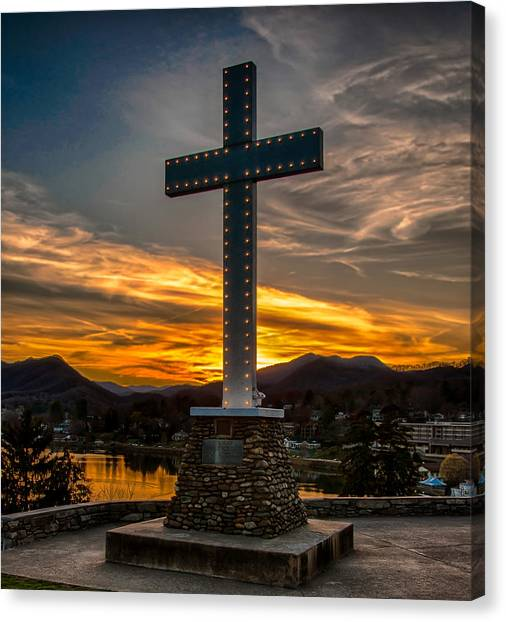 Cross At Lake Junaluska Canvas Print
