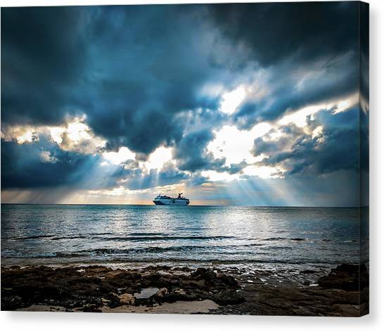 Cruise In Paradise Canvas Print