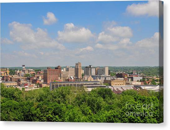 D39u118 Youngstown, Ohio Skyline Photo Canvas Print