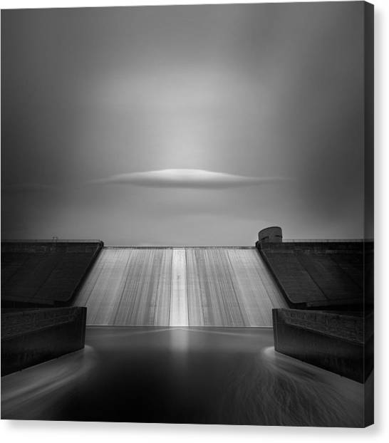 Uk Canvas Print - Dam Cloud by Andy Lee