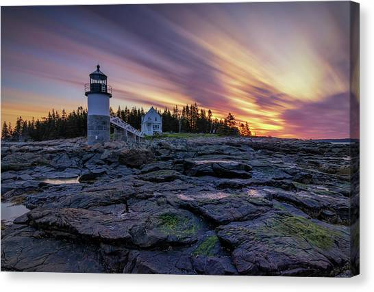 Dawn Breaking At Marshall Point Lighthouse Canvas Print