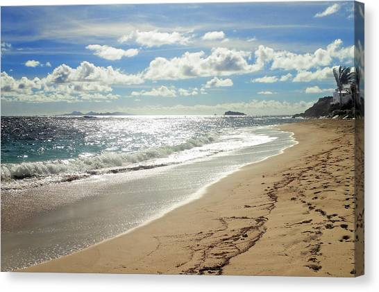 Canvas Print featuring the photograph Dawn Beach by Lars Lentz