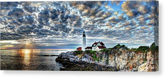Dawn Breaks At Portland Head Light Pano Canvas Print