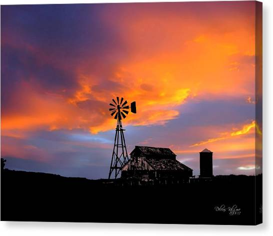 Canvas Print featuring the photograph Day Is Done by Deleas Kilgore