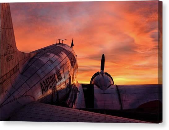 Dc-3 Dawn - 2017 Christopher Buff, Www.aviationbuff.com Canvas Print