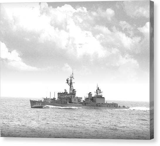 Dd 719 Uss Epperson Canvas Print by Mike Ray