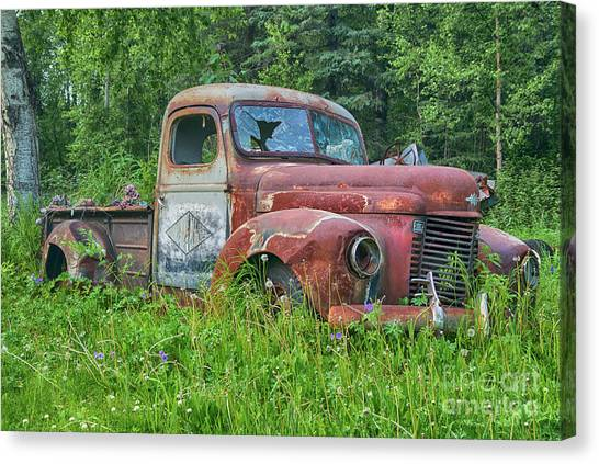 Rusty Truck Canvas Print - Dead International Harvester by Paul Quinn