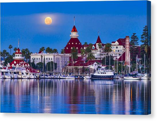 Del Moonset Canvas Print