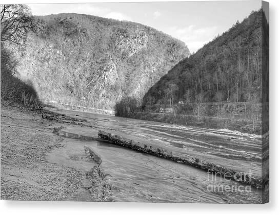 Delaware Water Gap In Winter Canvas Print