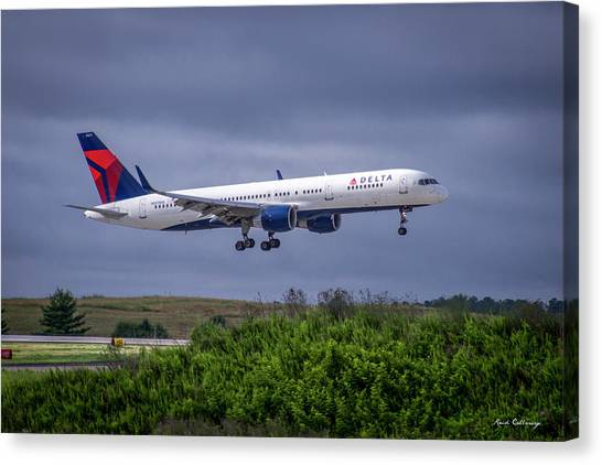 Delta Air Lines 757 Airplane N557nw Art Canvas Print