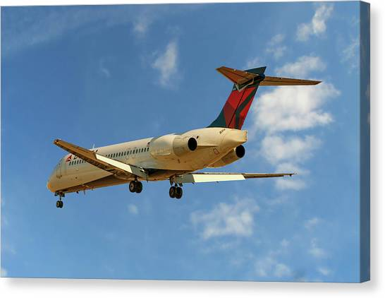 Airlines Canvas Print - Delta Airlines Boeing 717-200 by Smart Aviation