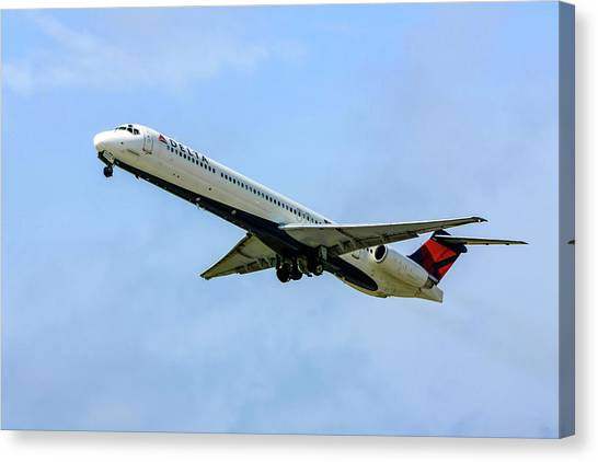 Delta Md88 Canvas Print