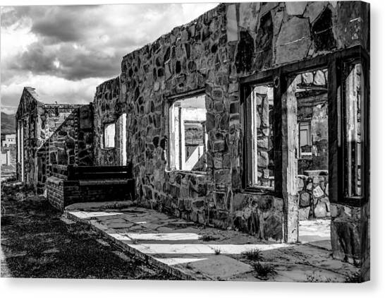 Desert Lodge Bw Canvas Print