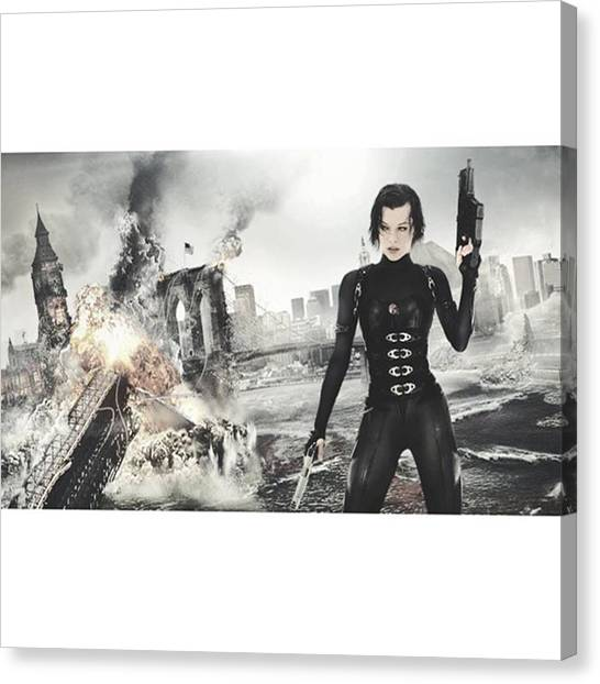 Canvas Print - Dm Me Re Pictures/edits You'd Like Me by Resident Evil