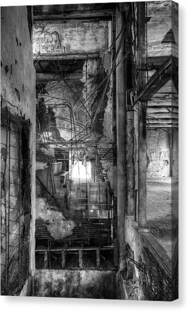 Don't Look Down Canvas Print by Matthew Green