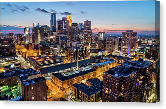 University Of Minnesota - Twin Cities Canvas Print - Downtown Minneapolis At Dusk by Gian Lorenzo Ferretti