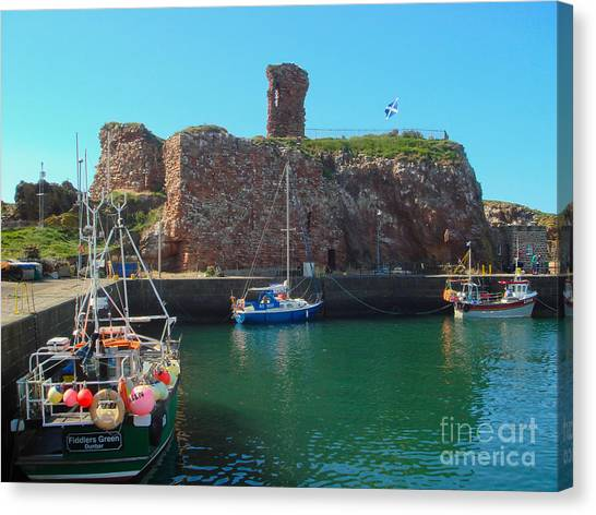 Dunbar Castle And Harbour Canvas Print