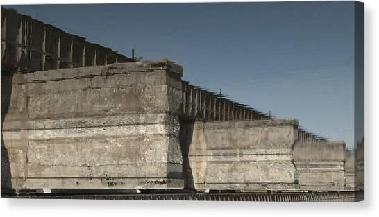 Dundas Railway Bridge Canvas Print by Michael Rutland
