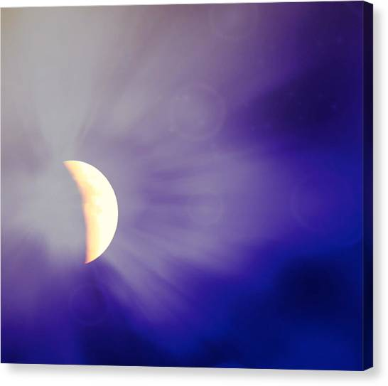 Aries Moon During The Total Lunar Eclipse 3 Canvas Print