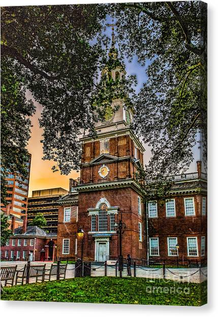 Dusk At Independence Hall Canvas Print