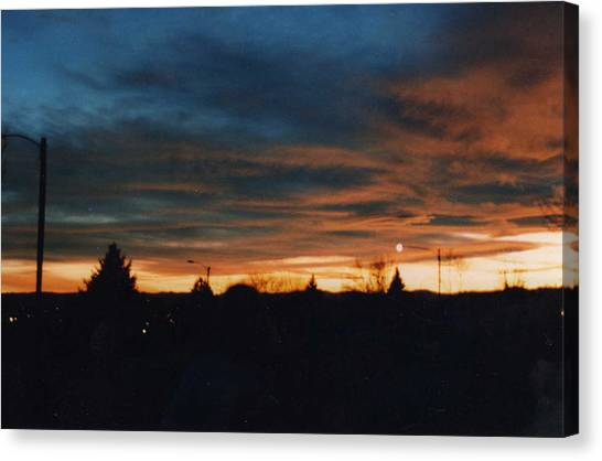 Dusk In Raleigh Nc Canvas Print by Renee Cain-Rojo