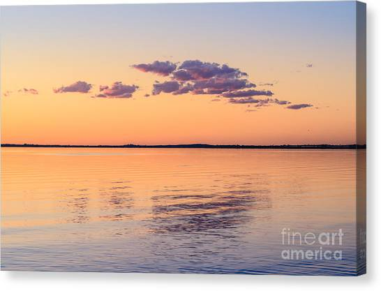 Canvas Print featuring the photograph Dusky Dream by Ray Warren