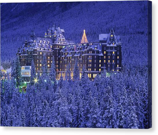 D.wiggett Banff Springs Hotel In Winter Canvas Print