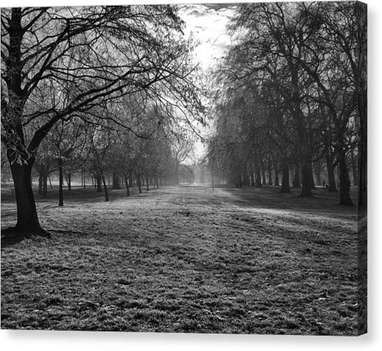 Early Morning In Hyde Park 16x20 Canvas Print