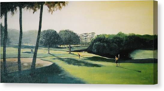 Early Morning Round Canvas Print by Barry Smith