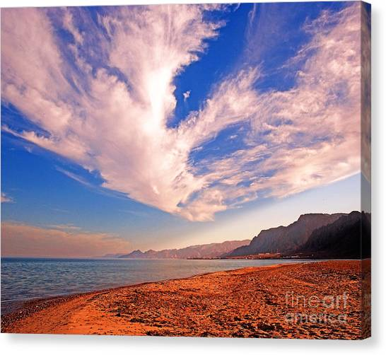 Egyptian Desert Coast And The Red Sea Canvas Print by Chris Smith