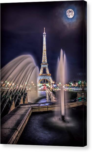Eiffel And The Fountain Canvas Print