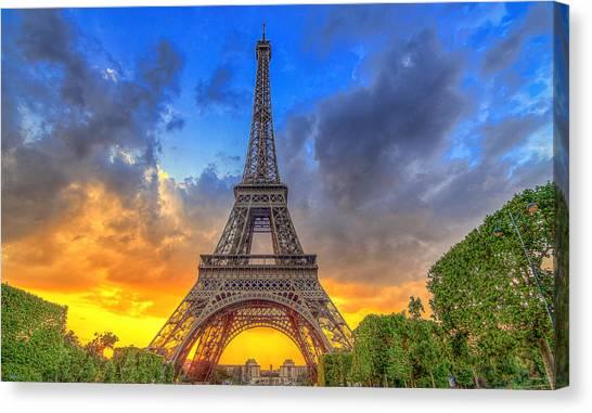 Eiffel Tower Sunset Canvas Print