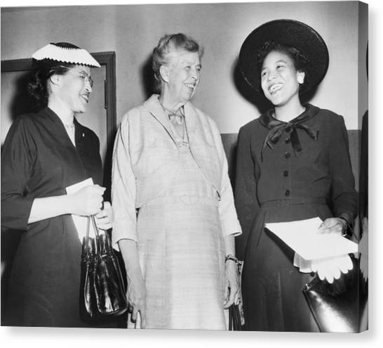 Eleanor Roosevelt, With Two African Canvas Print by Everett
