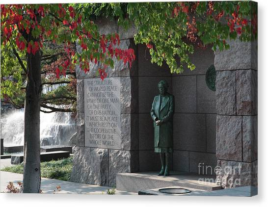 Eleanor's Alcove At The Fdr Memorial In Washington Dc Canvas Print