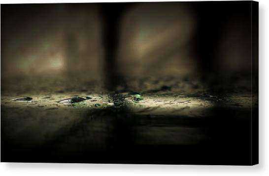 Gota Canvas Print - Emerald Droplets by Jose Torres-Lopez