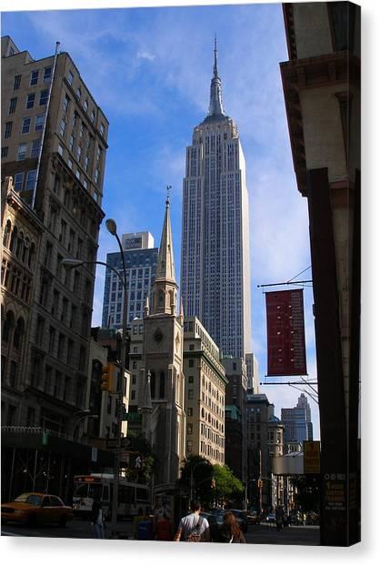 Empire State Building-new York City-manhattan Skyline Canvas Print by Candace Garcia