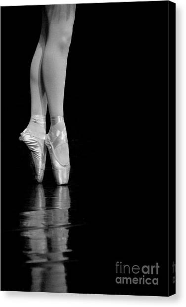 Canvas Print - En Pointe by Jeannie Burleson