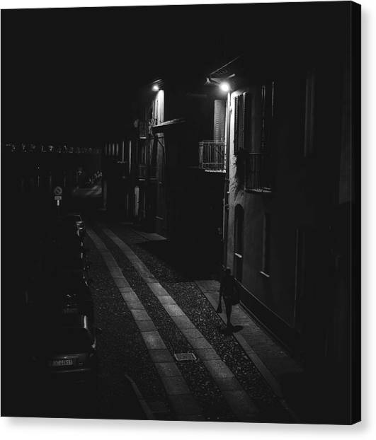 End Of The Day-returning Home Canvas Print