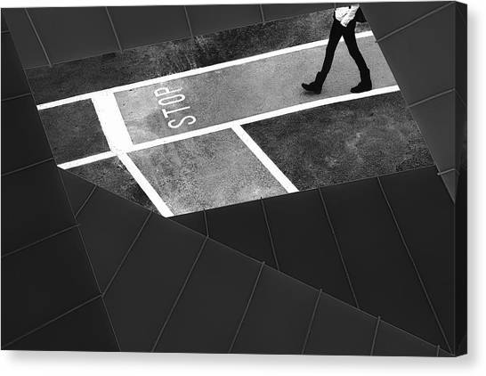 Marinas Canvas Print - Escape Plan by Paulo Abrantes