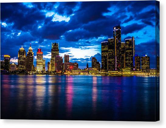 Rights Managed Images Canvas Print - Evening On The Town by Cindy Lindow
