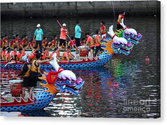 Evening Time Dragon Boat Races In Taiwan Canvas Print