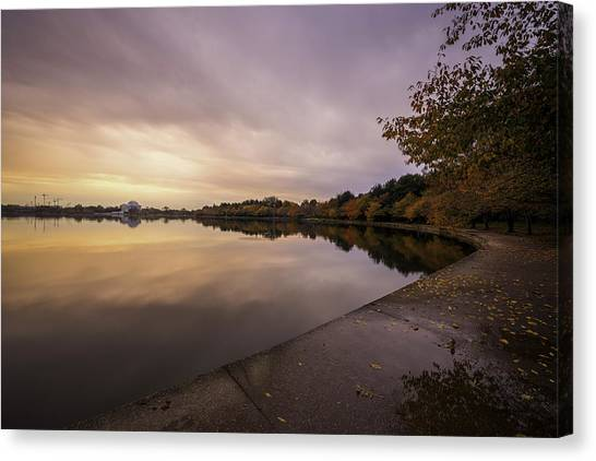 Fall On The Tidal Basin Canvas Print