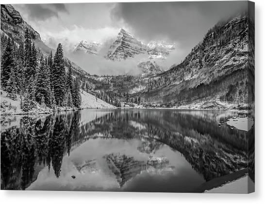 Falling Skies - Maroon Bells In Black And White - Aspen Colorado Canvas Print